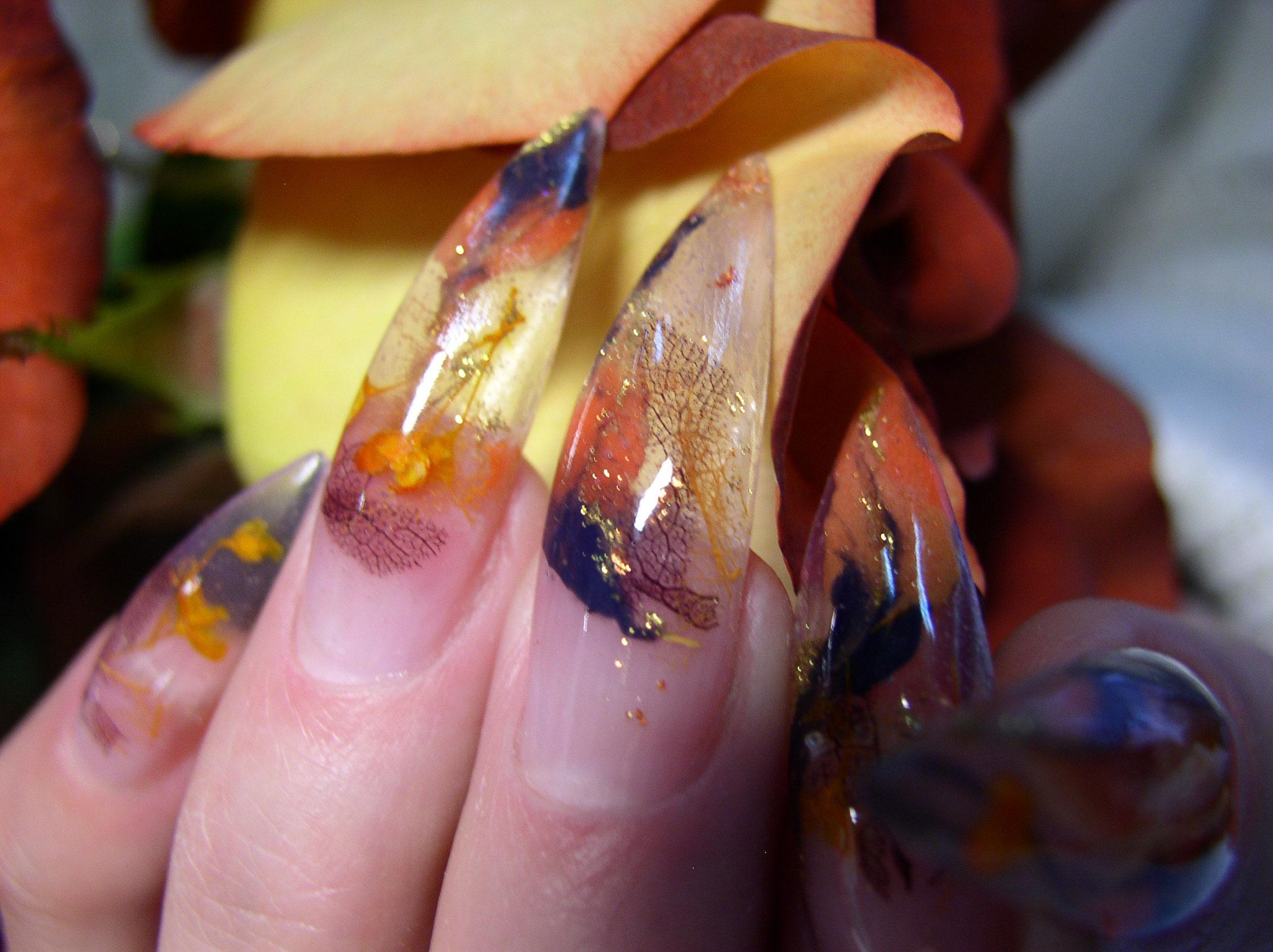Страшное наращивание ногтей фото